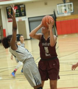Taya Corosdale (#5) of Tree of Hope Nike Elite (credit to Joe Fenelon)